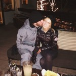 Paulina Gretzky bundles up in the Canada Goose Hybridge Lite Jacket
